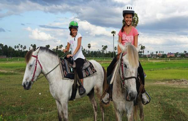Trail Rides 1/2-hour Children's lead ride