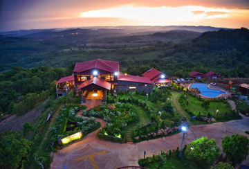 hilltop resort-smart-sinn-travel