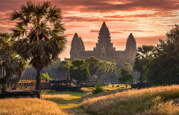 Sunrise 1-Day Tour to Angkor Wat